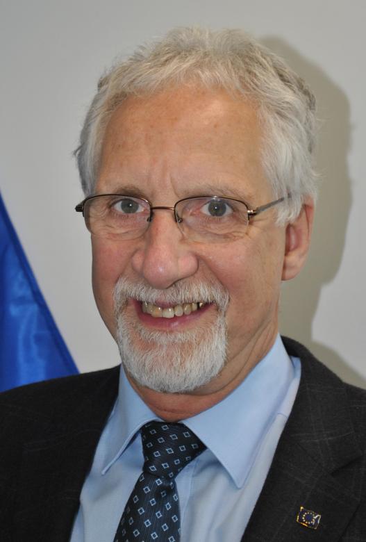 Dietrich Knoerzer